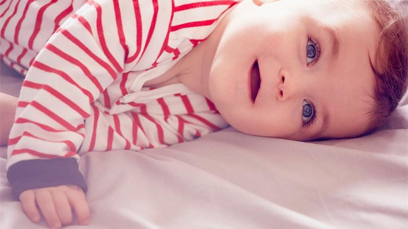 胎教宝宝桌面壁纸高清